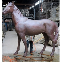 China Realistic Bronze Large Animal Garden Sculptures Red Life Size Metal Horse Sculpture wholesale