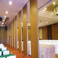 China Hanging Soundproof Rolling Movable Partition Walls Interior Position wholesale