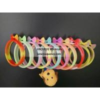 China Flexible promotional new silicone bracelet shaped mobile phone cover with multi-purpose wholesale