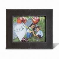 China Photo Frame with FSC Mark, Made of Wood and Leather, Available in Various Sizes and Colors wholesale