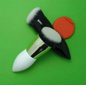 China Waist Shape Makeup Powder Brush Wood Handle Nylon Hair Material wholesale