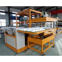 China Fully Automatic Vacuum Forming Foam Box Making Machine 5 Workers Operated wholesale