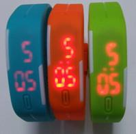 China Low cost Sport Watch with time and date display, button battery embedded wholesale