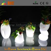 China Waterproof Indoor / Outdoor LED planter flower pot RGB light Bright Color Garden Furniture wholesale