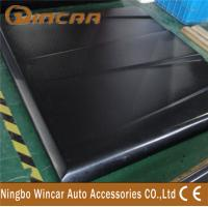 China Waterproof Tri Fold Tonneau Covers For Pickup Trucks , Lid Cover For Navara / Amarok wholesale