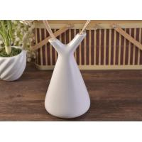 China White Empty Diffuser Bottles , Ceramic Essential Oil Diffuser With Rose & Sticks wholesale