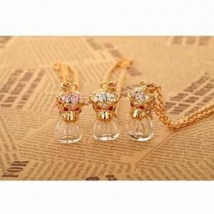 China 3 Colors 1.5mL Refillable Perfume Bottle Necklace for Women, Fashionable Gold Pendant wholesale