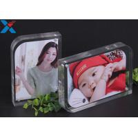 China Magnet Clear Acrylic Photo Frame Creative ARC Shape PMMA Pictures Table Frame wholesale