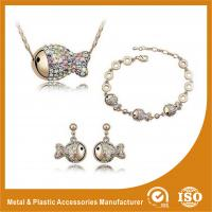 China Gold Plated Ladies Jewelry Sets Fish Shape Bracelet Earring Necklace Set wholesale