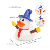 China Snowman Shape Rubber duck Funny Christmas Themed Rubber Ducks For Holiday Decoration Outdoor wholesale