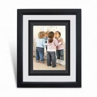 China Photo Frame with FSC Mark, Made of Wood, Available in Various Sizes and Colors wholesale