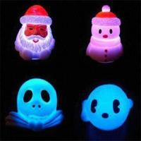 China LED Novelty Lights in Flashing and Floating Holiday Designs, Measuring 4.3 x 3.5 x 4.8cm wholesale