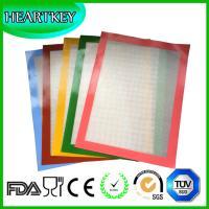China Multiple Colors Custom Half-sheet 40x30cm Silicone Fiberglass Baking Mat on sale