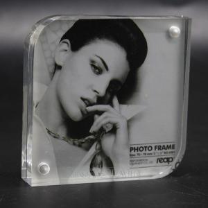 China Acrylic photo frame with magnet wholesale
