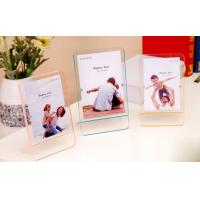 China Decorative tabletop standing plexiglass magnet photo frame wholesale