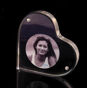 China Heart Shape Acrylic Block Photo Frames With Good Fashion wholesale