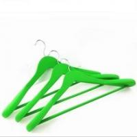 China rubber coated Outerwear Wood Coat Hangers Wide wholesale