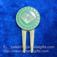 China Golfer design metal pitchmark repair tool with colour filled, golf club gift divot tools, wholesale