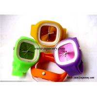 China 2014 Popular fashion design silicone jelly watch from China factory wholesale