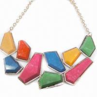 China Fashionable Necklace, Metal Chain-linked Design, Decorated with Colorful Resin on sale