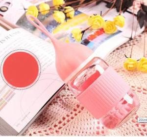 China Pink Heat Resistance Borosilicate Glass Feeding Bottle For Baby Daily Drinking wholesale