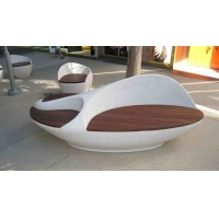 China Chemical Do Color Resin Yard Statues , Leisure Chair White Garden Ornaments wholesale