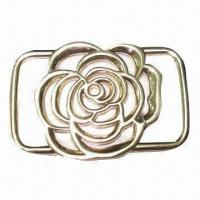 China Fancy metal buckle for garment/clothing, comes in flower shape, shiny rose gold color wholesale
