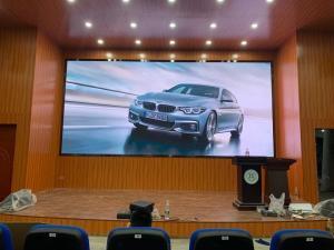 China 16 Bit DC 5V Indoor HD Led Video Wall 341*256 Dots Horizontal 160 Degree wholesale