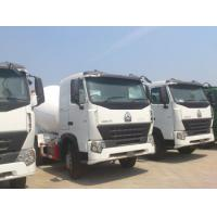 China Sinotruk HOWO 6x4 Concrete Mixer Trucks Concrete Mixing Equipment in White , 8 Cubic Meters wholesale