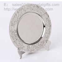 China Polish Silver metal anniversary plate with stand for display, metal souvenir tray, wholesale