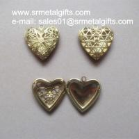 China Brass Hollow Filagree Heart Photo Locket Copper mesh picture locket Pendant on sale