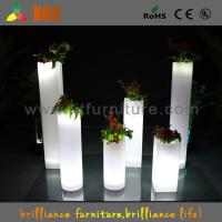 China Wedding Decoration Illuminated Cocktail Table , RGB Glow In The Dark Outdoor Pots wholesale