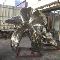 China 304 Polished Outdoor Metal Flower Sculptures , Stainless Steel Modern Metal Outdoor Sculptures wholesale