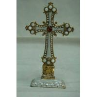 China Cross Crucifix Religious Ornament Indoor Gifts on sale