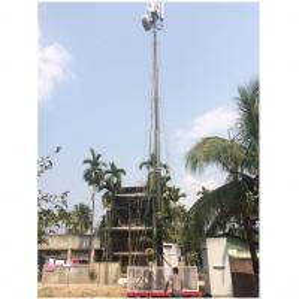 telecom mast in working