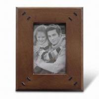 China Wooden Photo Frame with FSC Mark, Available in Various Sizes and Colors wholesale
