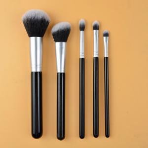 China Nylon Material Full Makeup Brush Set Powder Eye Shadow Brushes Wood Handle wholesale