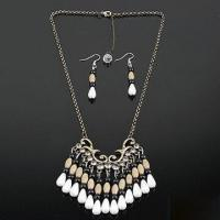 China Fashionable Necklace in Popular Design, Made of Metal Chain, Customized Specifications are Accepted on sale