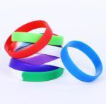 China Promotional Silicone Rubber Bracelets , Custom Silicone Bracelets Colorful wholesale