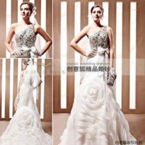 China shiny obliqued shoulder bridal gowns,  brand gorgeous bridal gowns 90066 wholesale