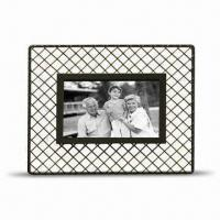China Metal Photo Frame, Various Colors are Available, Measures 207 x 250mm, BSCI Audit wholesale