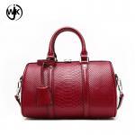 China 2018 handbag pillow shape genuine leather bag ladies new design fashion quilted handbag wholesale