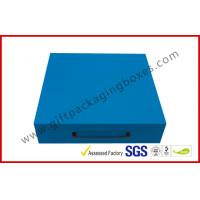 China Sky Blue Print Rigid Board Packaging Boxes , Chocolate damask inner with Plastic handle wholesale
