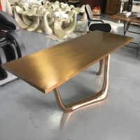 China Abstract Table Sculptures Contemporary Metal Garden Statues Ornaments Plating Gold wholesale