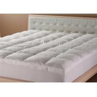China Elastic 100% Polyester Hotel Mattress Topper King Size / White Mattress Protector wholesale