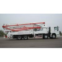 China 8×4 HOWO Cement Pump Truck / Concrete Boom Pump Truck For Construction wholesale
