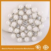 China Antique Jewelry Handmade Metal Brooches , White Pearl Brooches wholesale