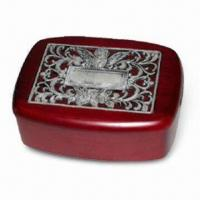 China Square Shaped Wooden Jewelry Box, Various Colors are Available, Measures 17 x 13.6 x 7cm wholesale