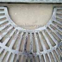 China Custom Landscape Architecture Design Parts 1000mm Square Cast Grey Iron Tree Grate In Two Halves on sale