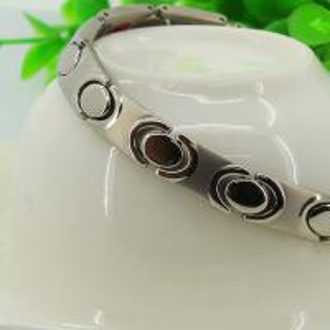 China Silver Free Handmade Logo 316L Steel Bio Element Bracelets for Magnetic Clasp,women